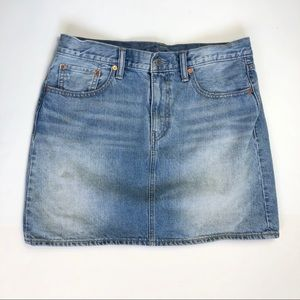 Levi's light wash 100% cotton skirt